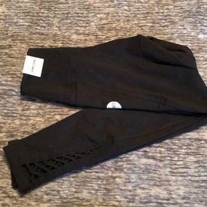 "25"" inseam. Cotton leggings. One side pocket."